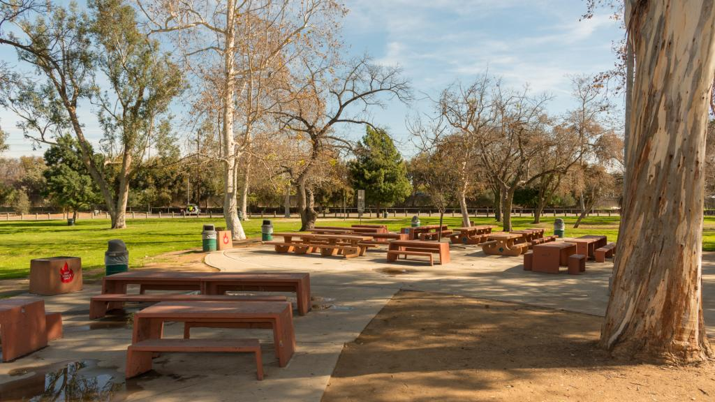 CRYSTAL SPRINGS City Of Los Angeles Department Of Recreation And Parks - Picnic table los angeles