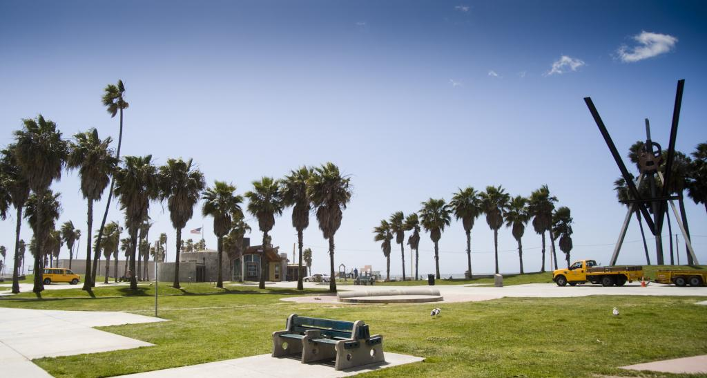 Venice Beach Recreation Center And Ocean Front Walk Boardwalk